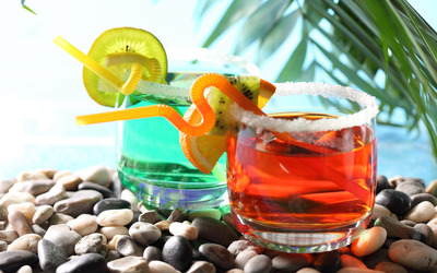 cocktails-on-the-beach-17425-400x250